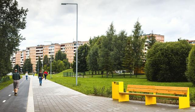Eye-catching cycle and pedestrian track in Annelinn